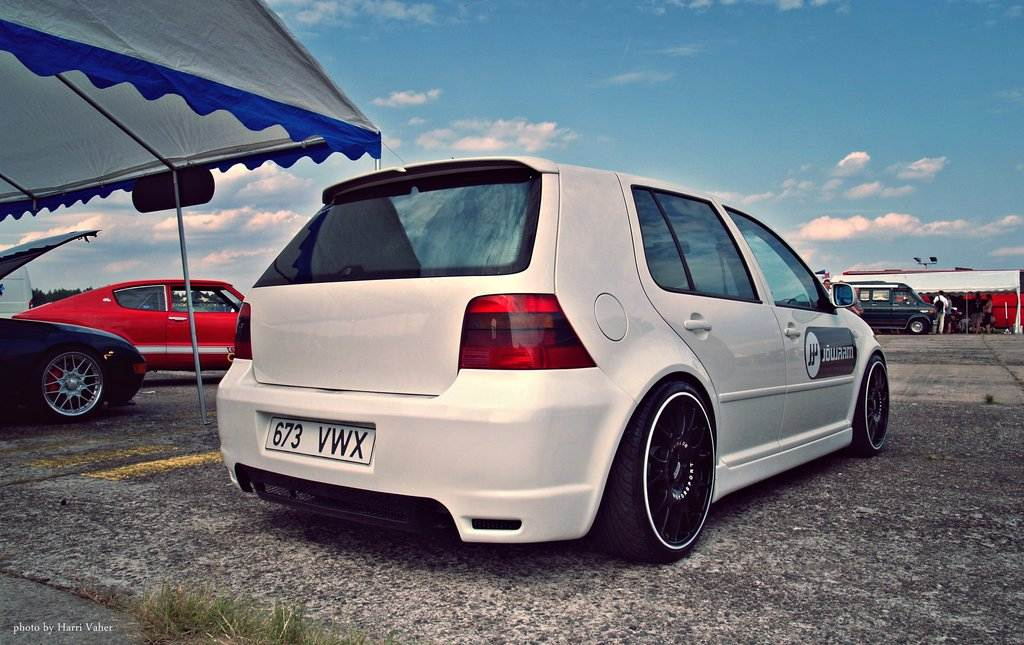 31a84759330 VW GOLF IV